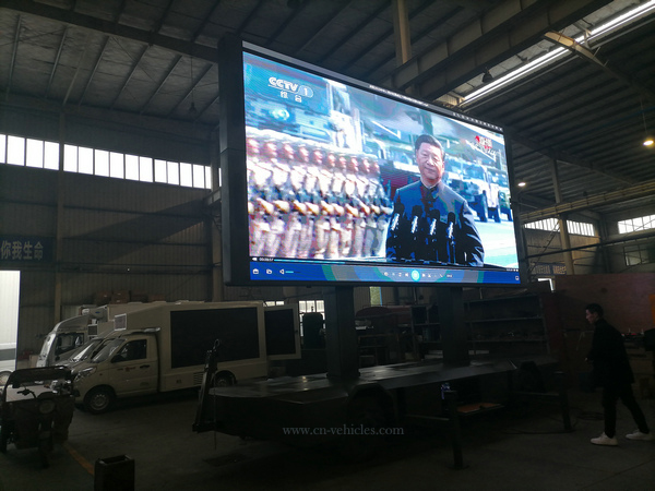 Customer Made Outdoor LED P4 Full Color Billboard Advertisement Folding Screen Trailer for Sales
