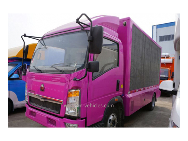 Sinotruck HOWO Outdoor or Indoor Appear Message LED Truck for Export
