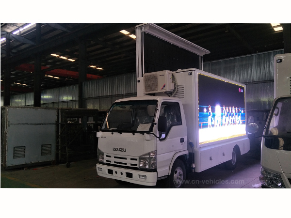 Isuzu P3 Screen Outdoor LED Mobile Billboard Advertising Truck