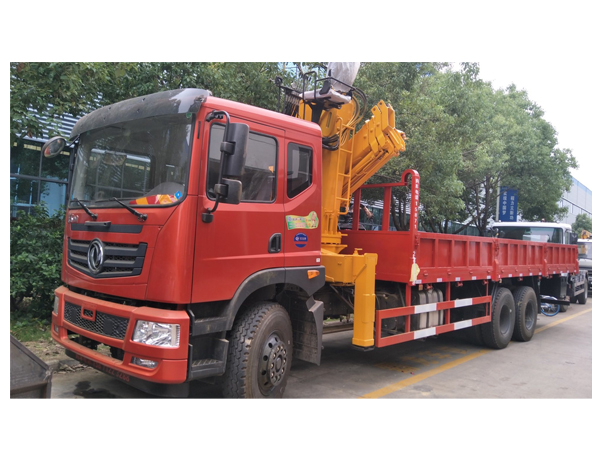 Dongfeng 25 Ton Folding Crane Mounted Truck for Sales